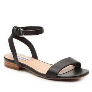 Steve Madden   Lahnee Black Leather Sandals